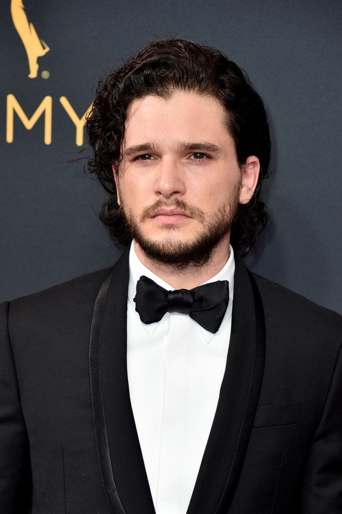 kit-harington-in-givenchy-at-the-68th-primetime-emmy-awards