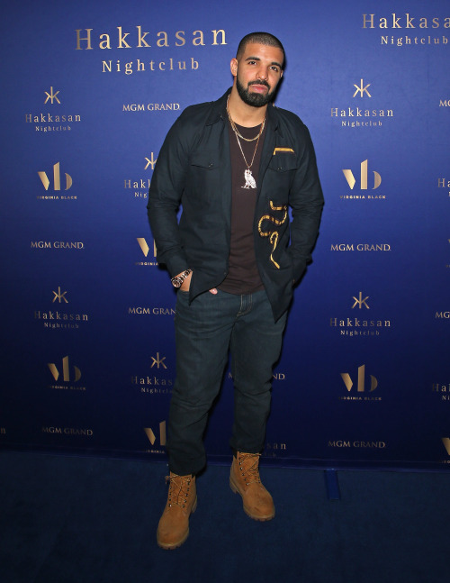drake-in-dries-van-noten-shirt-and-timberland-boots-in-las-vegas