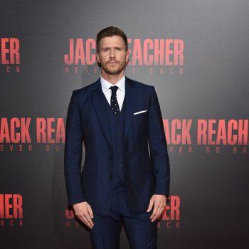 patrick-heusinger-in-reiss-suit-at-jack-reacher-new-orleans-fan-screening