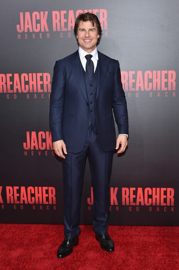 tom-cruise-in-ermenegildo-zegna-at-jack-reacher-new-orleans-fan-screening