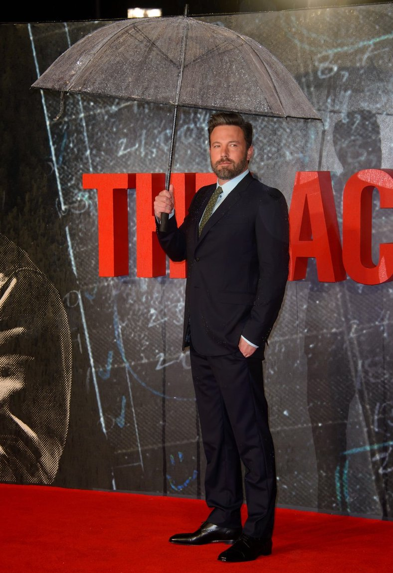 ben-affleck-in-gucci-at-the-accountant-london-premiere