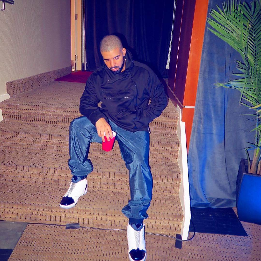drake-rocks-wears-stone-island-jacket-and-air-jordan-16-retro-sneakers