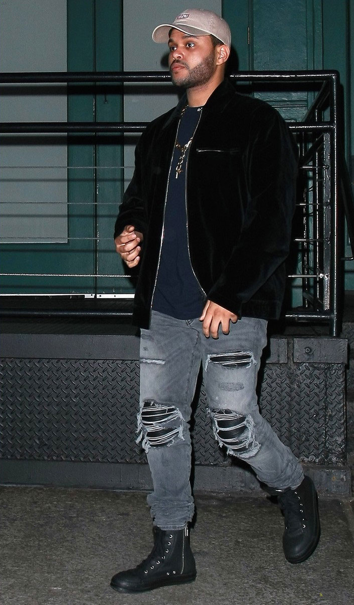 the-weeknd-rocks-in-amiri-jeans-rick-owens-sneakers-celebrating-girlfriends-birthday