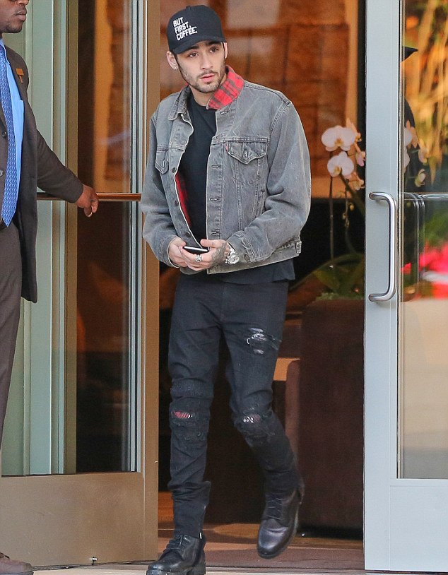 Marc Jacques urton Crixus Jeans, Levi's Denim Jacket and Alfred Coffee Hat