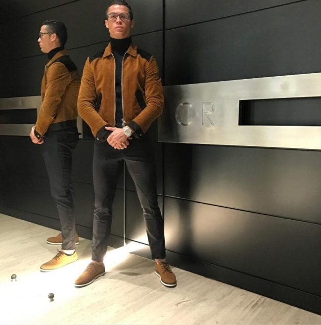 cristiano-ronaldo-in-tom-ford-jacket-and-cr7-shoes
