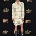 Tommy Dorfman  In Vivienne Westwood – MTV Movie & TV Awards  2017