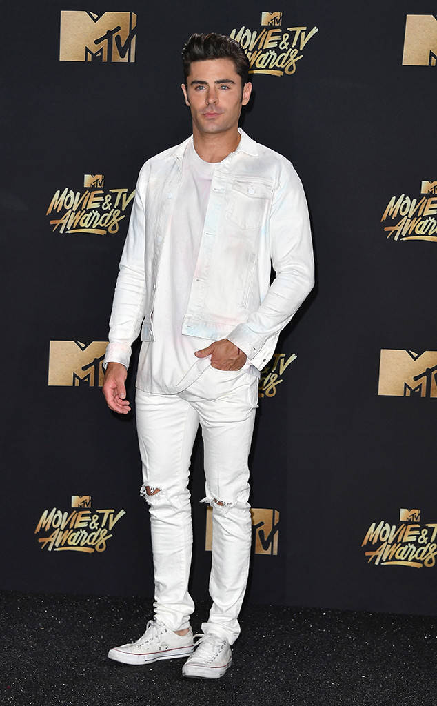 rs_634x1024-170507170005-634.Zac-Efron-MTV-Movie-and-TV-Awards.kg_.050717
