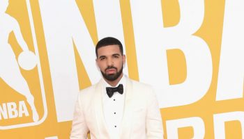 The-NBA-Awards-featuring-Drake-in-Tom-Ford-Naomi-Campbell-in-Elie-Saab-Jada-Pinkett-Smith-in-Sophie-Theallet-Drake2017NBAAwardsLiveTNTArrivals7XJuq05j2Cgx-664×1000