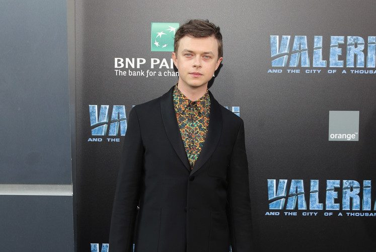 Dane-DeHaan-Valerian-City-Thousand-Planets-Movie-Premiere-Red-Carpet-Fashion-Prada-Tom-Lorenzo-Site-1