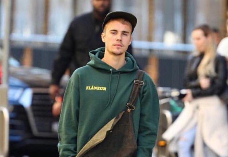 Justin-Bieber-Wears-Louis-Vuitton2