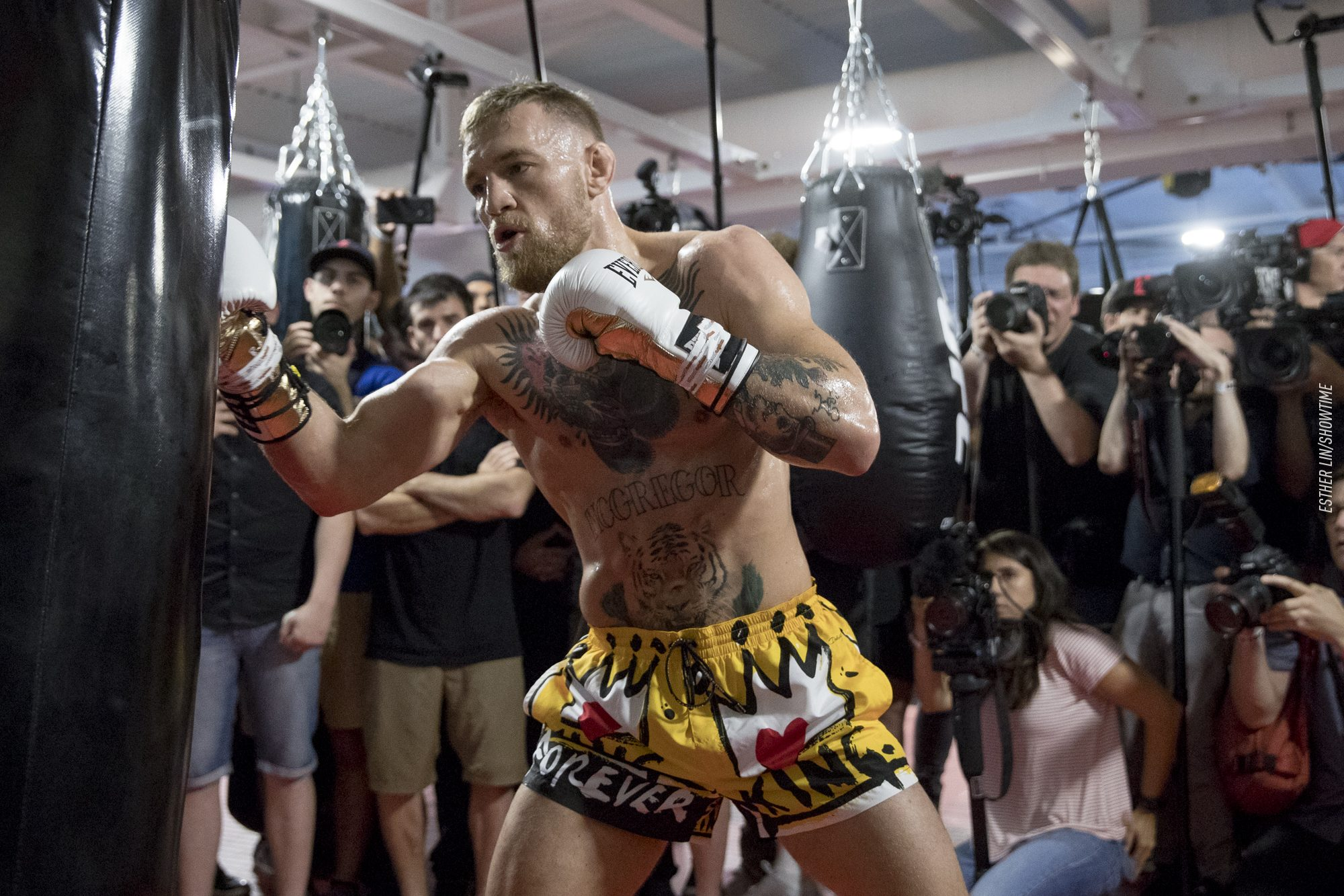 conor-mcgregor-wore-dolce-gabbana-ufc-performance-institute-in-las-vegas