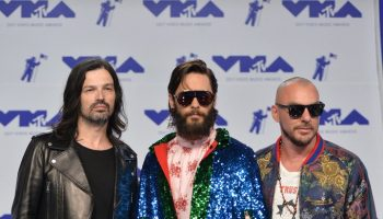 jared-leto-in-gucci-2017-mtv-video-music-awards