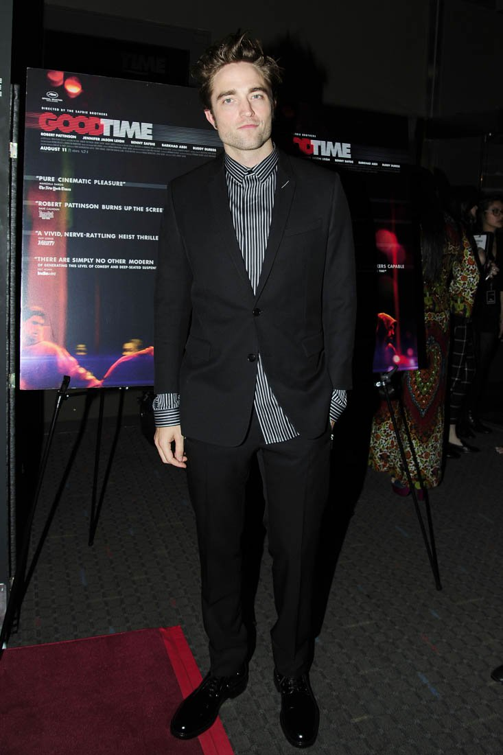 robert-pattinson-in-dior-homme-for-the-good-time-new-york-premiere