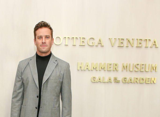 Armie-Hammer-2017-Hammer-Museum-Gala-Red-Carpet-Fashion-Bottega-Veneta-