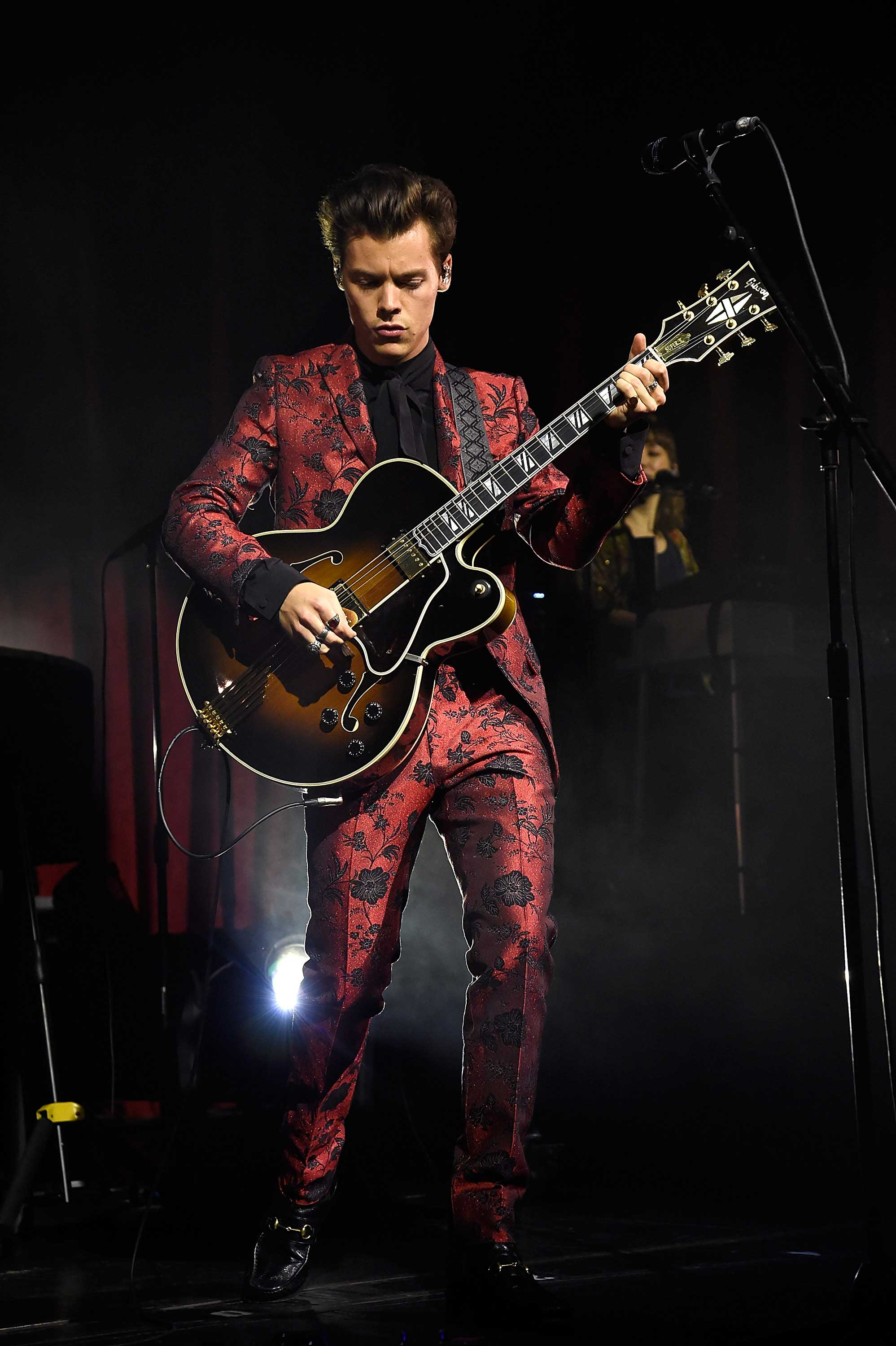 Harry-Styles-Spotify-Singles-Session-at-Radio-City-Music-Hall-in-New-York-City-September-28-2017-2