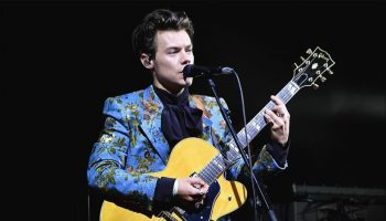 harry-styles-gucci-the-greek-theatre-in-los-angeles