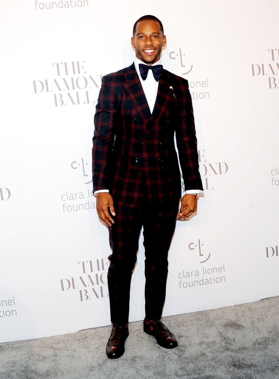victor-cruz-in-gucci-2017-diamond-ball