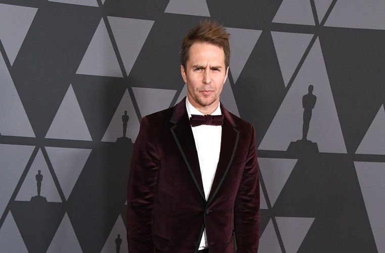 sam-rockwell-in-gucci-2017-academy-of-motion-picture-arts-and-sciences-governors-awards