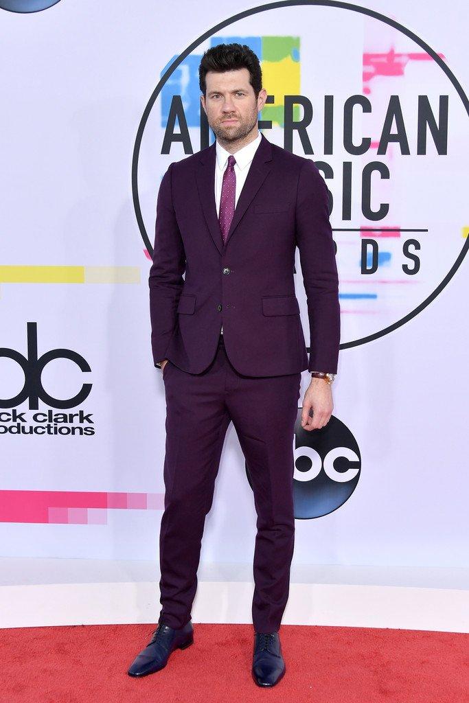 billy-eichner-in-paul-smith-2017-american-music-awards
