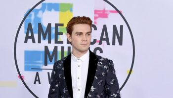 kj-apa-in-emporio-armani-2017-american-music-awards