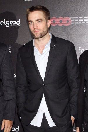 robert-pattinson-in-dior-homme-good-time-premiere-in-athens-greece