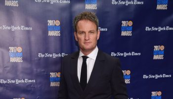 jason-clarke-in-ermenegildo-zegna-2017-gotham-independent-film-awards​