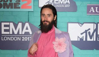 jared-leto-in-gucci-the-2017-mtv-emas