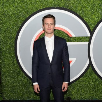 jonathan-groff-indior-homme-2017-gq-men-of-the-year-party