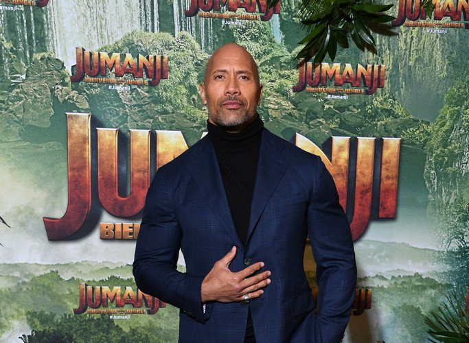 dwayne-the-rock-johnson-in-isaia-jumanji-welcome-to-the-jungle-paris-premiere