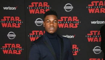 john-boyega-in-versace-star-wars-the-last-jedi-la-premiere