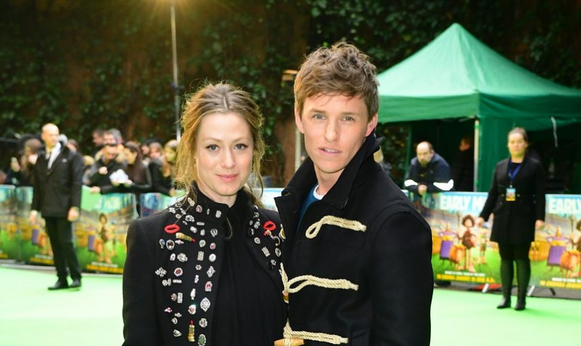 eddie-redmayne-in-burberry-early-man-london-premiere