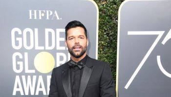 ricky-martin-in-dior-homme-2018-golden-globe-awards