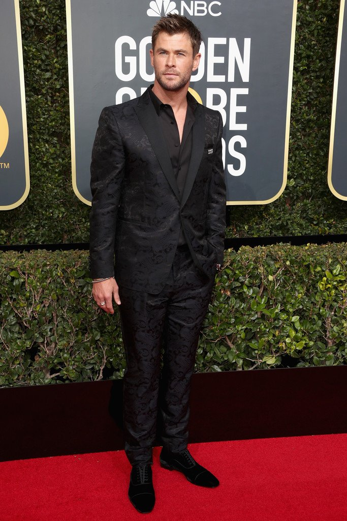 chris-hemsworth-in-etro-2018-golden-globe-awards