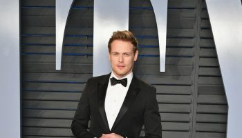 sam-heughan-in-saint-laurent-2018-vanity-fair-oscar-party