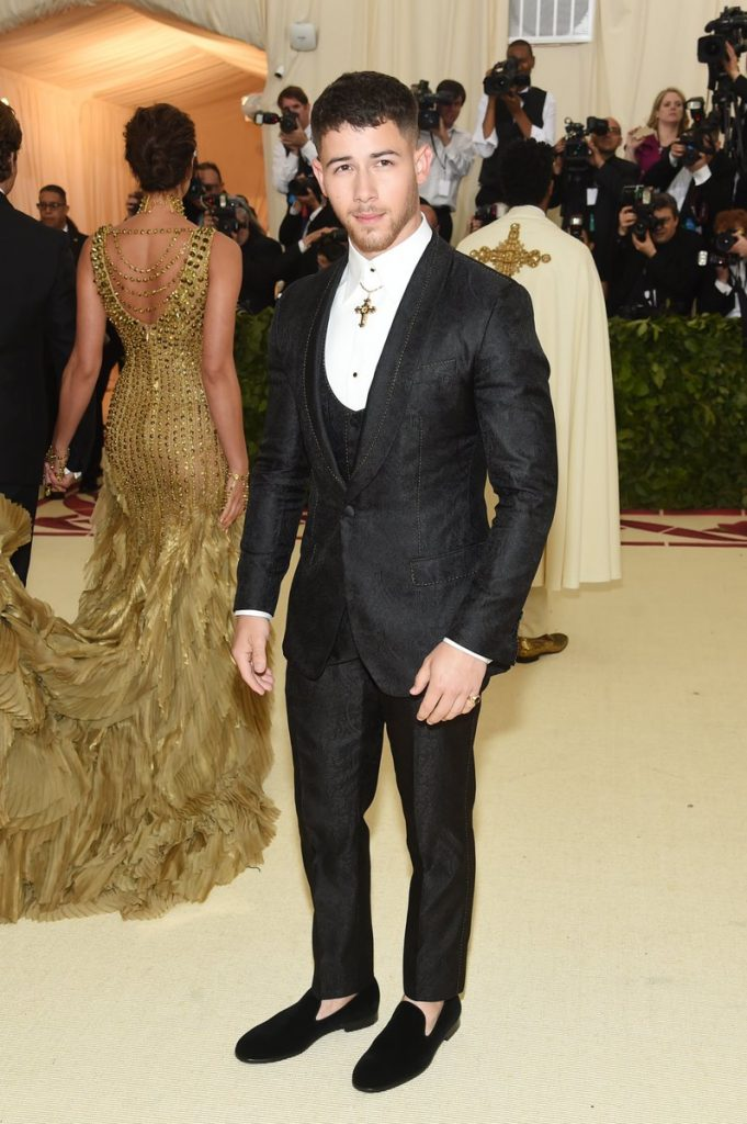 nick-jonas-in-dolce-and-gabbana-met-gala-2018