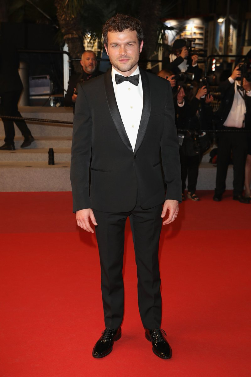 alden-ehrenreich-in-saint-laurent-solo-a-star-wars-story-cannes-film-festival-premiere