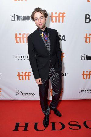 robert-pattinson-in-dior-men-high-lifetoronto-international-film-festival-premiere